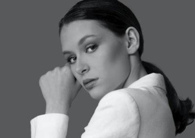 Gwendoline R